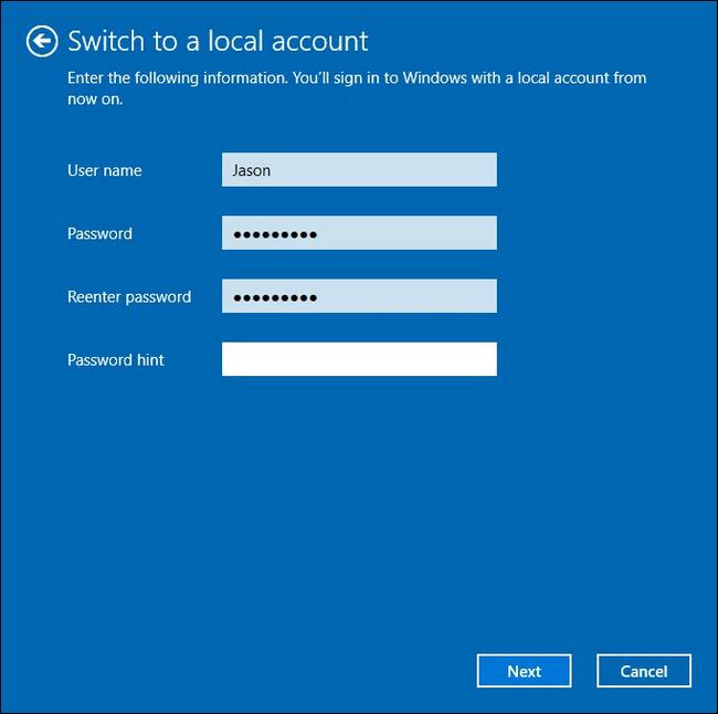 تعيين اسم الحساب وكلمة المرور لتحويل إلى حساب محلي